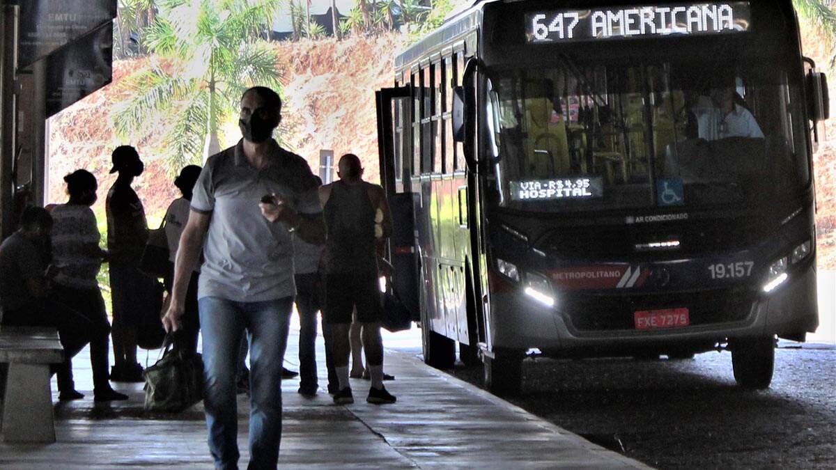 Moradoras de Nova Odessa reclamam da redução do número de ônibus