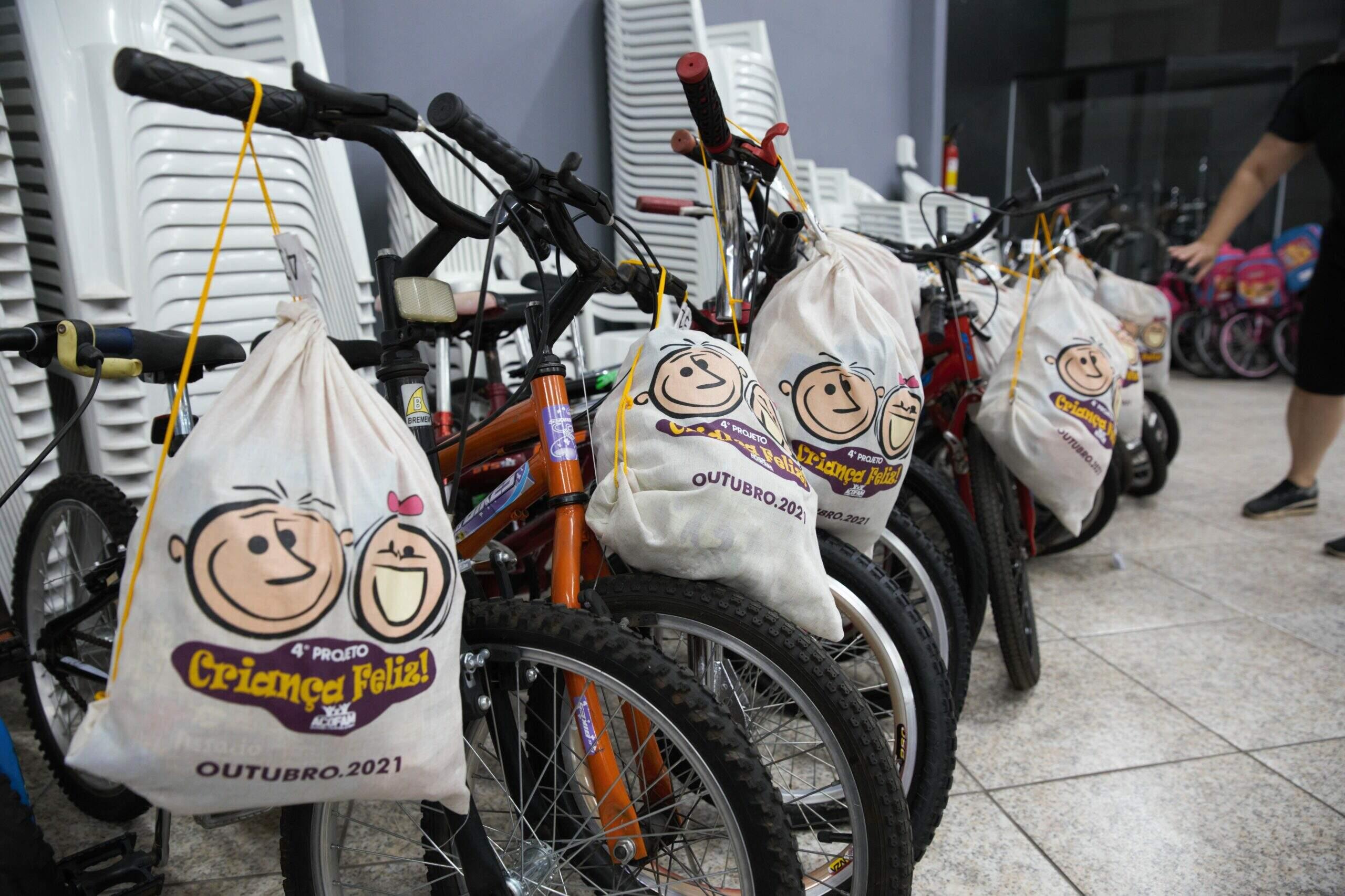 Ação entrega 80 bicicletas à crianças de bairros carentes de Americana